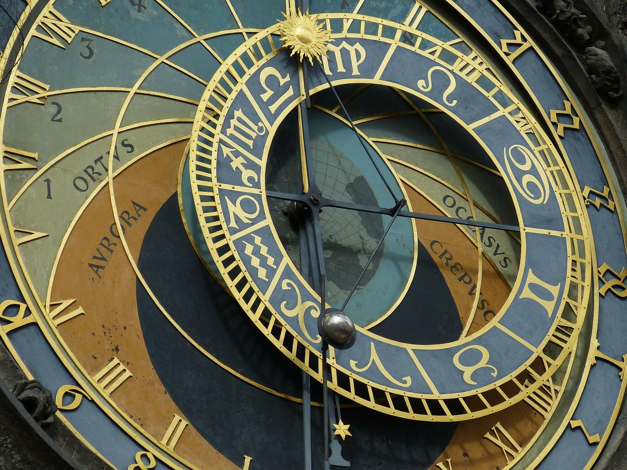 astronomical-clock-226897_1280