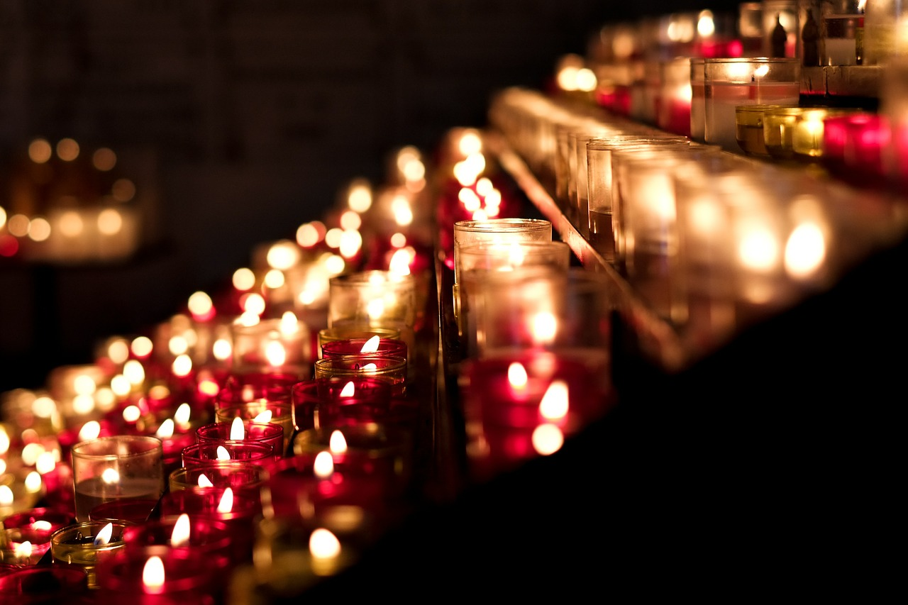 candles-389413_1280